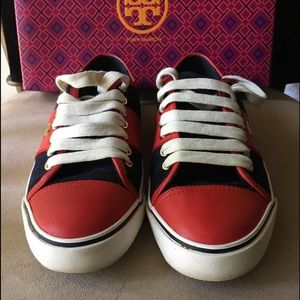 🆕 AUTHENTIC TORY BURCH CHURCHILL SUEDE SNEAKERS